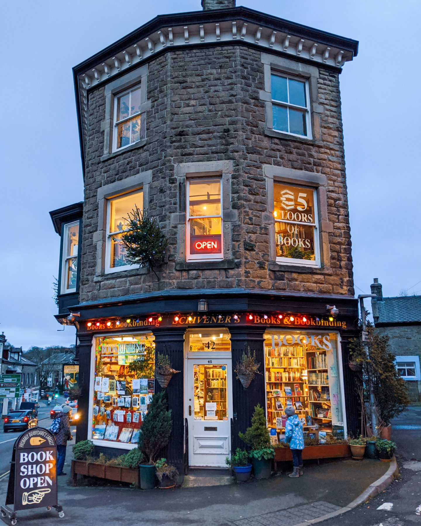 A Guide to Beautiful Bookshops in the Peak District